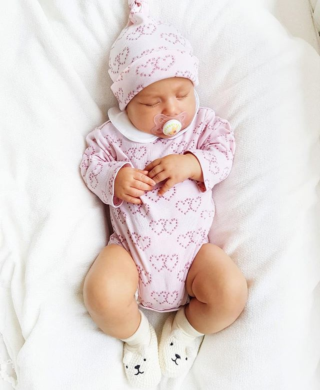 8 Absolutely Necessary Products For A Newborn
