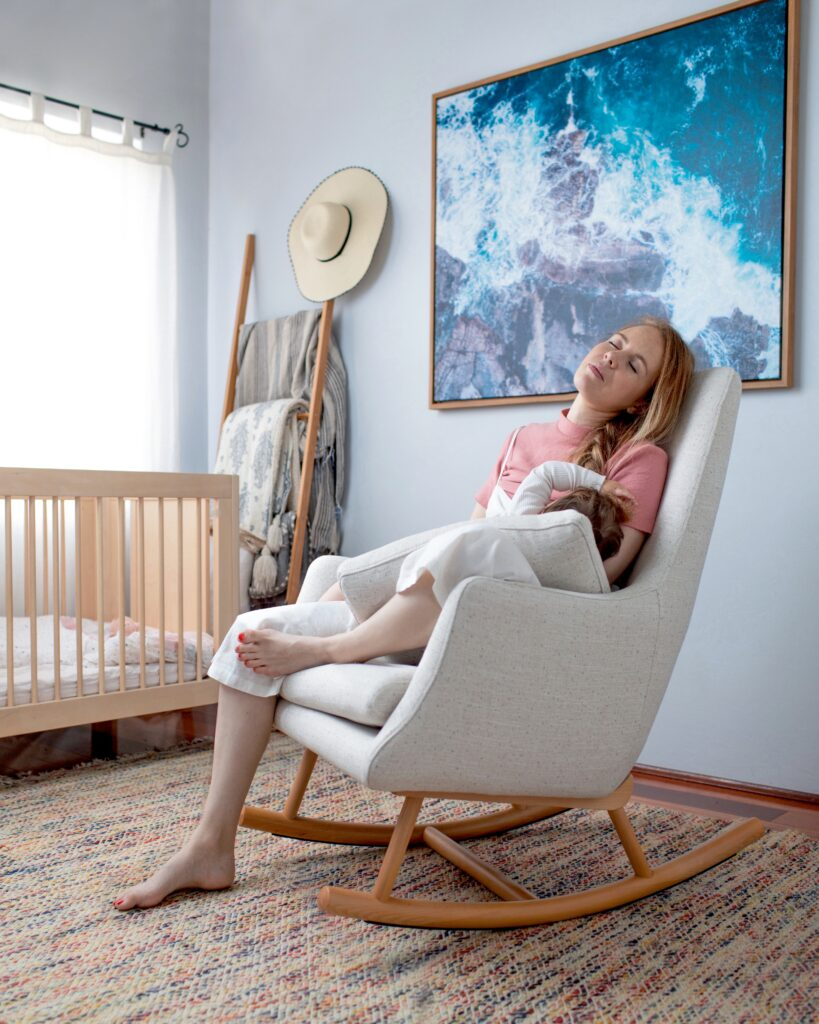 Glider vs Rocker: What is best for new moms and your nursery
